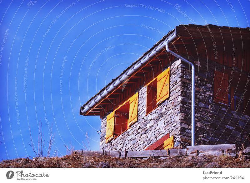 Haus 3 Apartment 4 Ferien & Urlaub & Reisen Tourismus Ausflug Berge u. Gebirge Menschenleer Hütte Mauer Wand Fenster Dachrinne Häusliches Leben alt blau