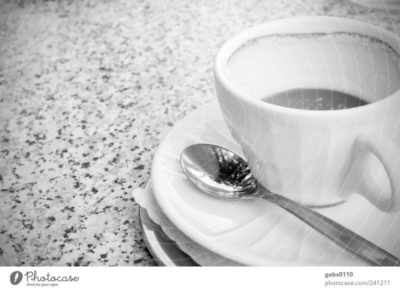 jetzt ein kaffee... Lebensmittel Kaffeetrinken Getränk Heißgetränk Espresso Geschirr Tasse Löffel Erholung Freizeit & Hobby Tisch frisch lecker Pause