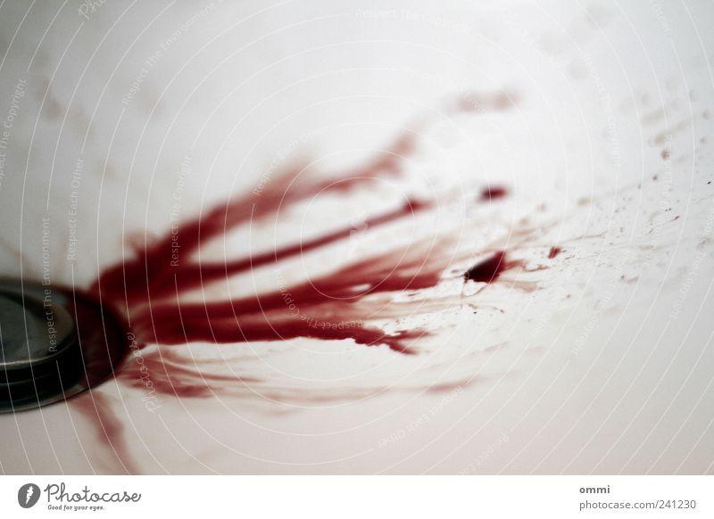 BLUTimBAD rot authentisch bedrohlich Tropfen Schmerz Gewalt Blut Ekel Aggression Abfluss Waschbecken Unschärfe Strukturen & Formen