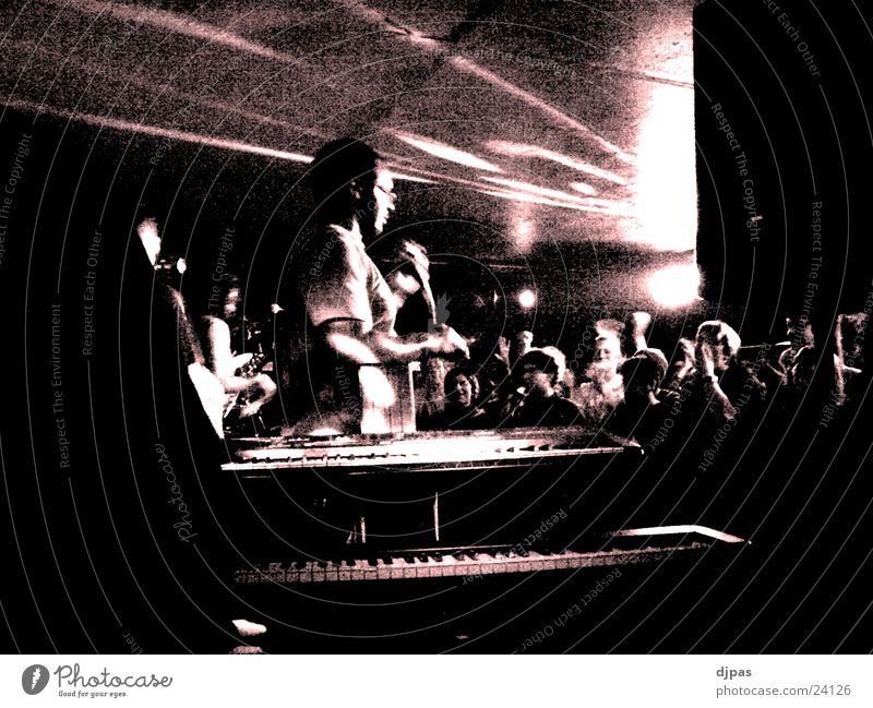 TYgehtAB Konzert Party Performance Mensch Beleuchtung Filter Partygast