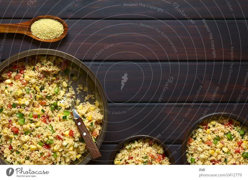 Speise Gesundheit frisch Gemüse Mahlzeit Vegetarische Ernährung Salatbeilage Tomate horizontal rustikal roh Weizen Snack Zwiebel Grieß Heftklammer