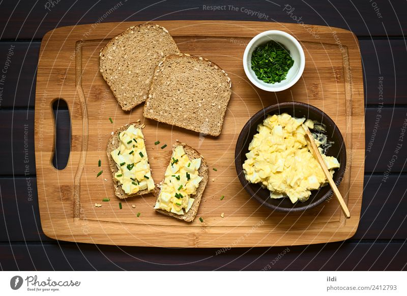 Eiersalat Sandwich Brot Frühstück frisch Lebensmittel Salatbeilage Mayonnaise Senf Gewürz geschnitten kochen & garen Belegtes Brot offen Aufstrich Scheibe