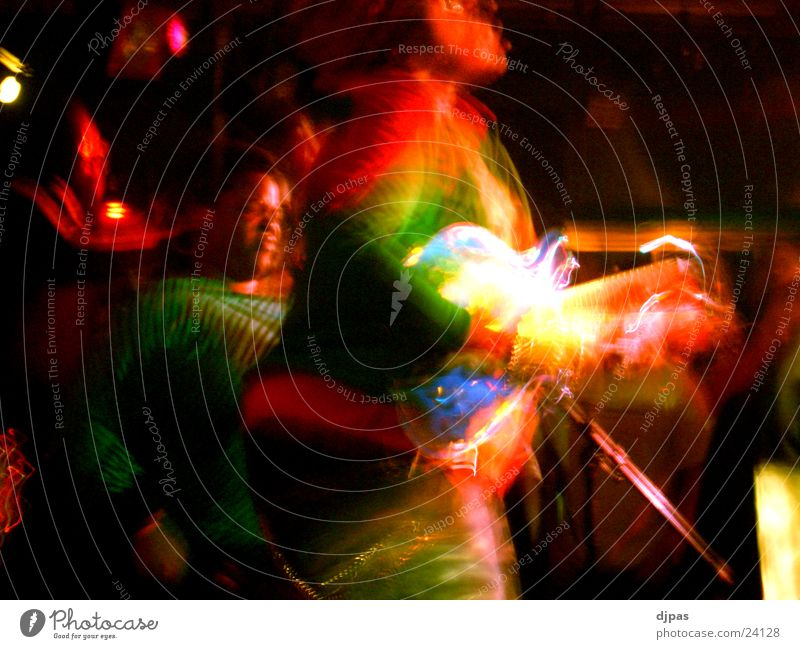 regenbogengitarrist Bewegung Menschengruppe Gitarre Regenbogen Gesang