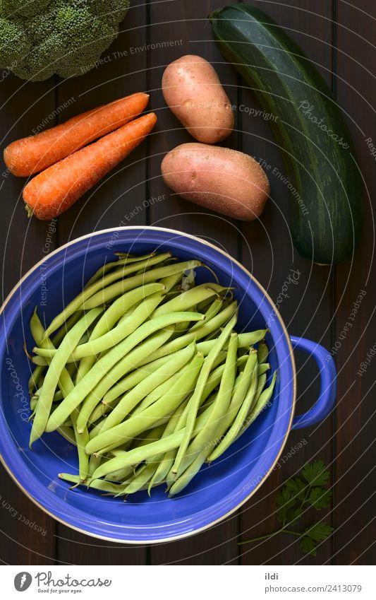 Gesundheit Ernährung frisch Gemüse Vegetarische Ernährung vertikal Vegane Ernährung rustikal Möhre roh Bohnen Petersilie Brokkoli Zucchini Puls Varieté