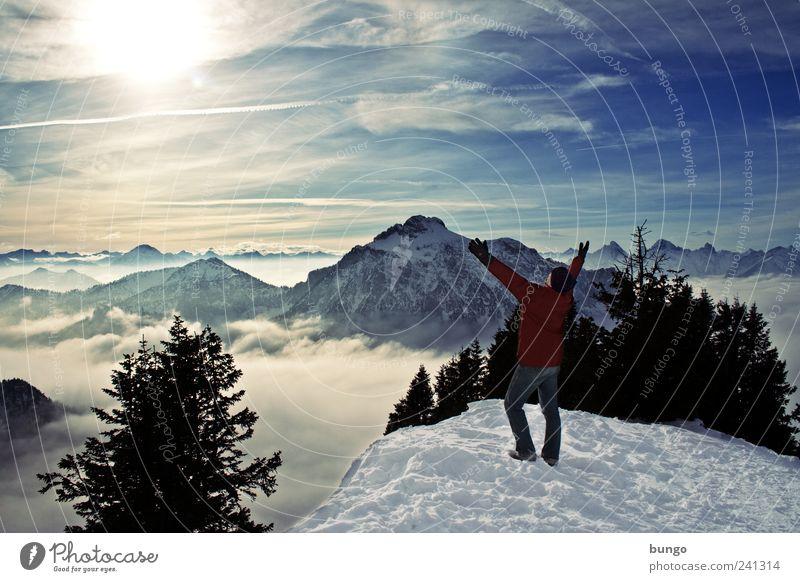 Ovation Abenteuer Freiheit Winter Schnee Winterurlaub wandern Klettern Bergsteigen Mann Erwachsene 1 Mensch Natur Landschaft Nebel Eis Frost Berge u. Gebirge