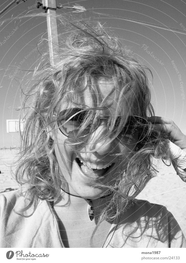 Windig Frau Wind Sonnenbrille