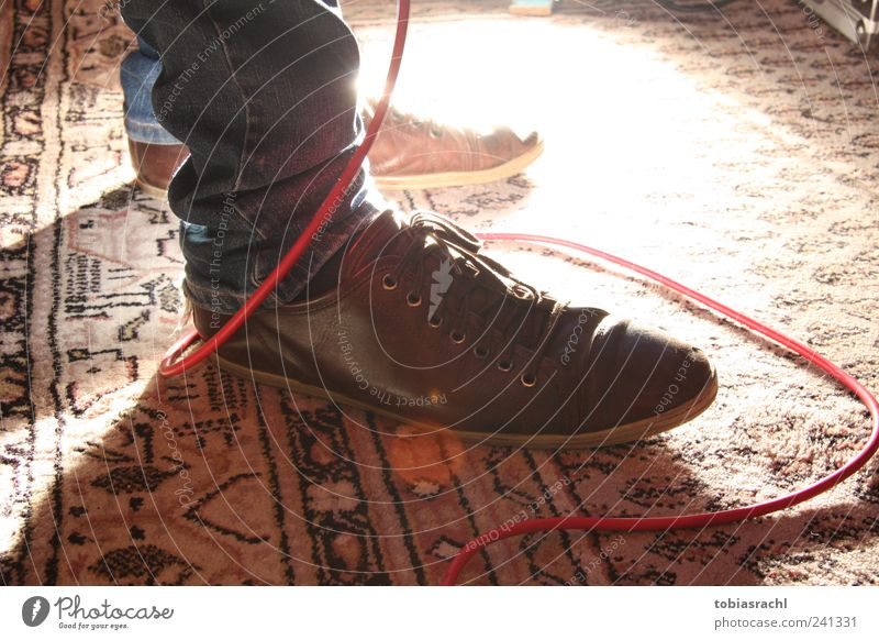 Musik Schuhe Leidenschaft Rockmusik Draht Musiker Jugendkultur Indie Mensch Technik & Technologie Instrumentenkabel