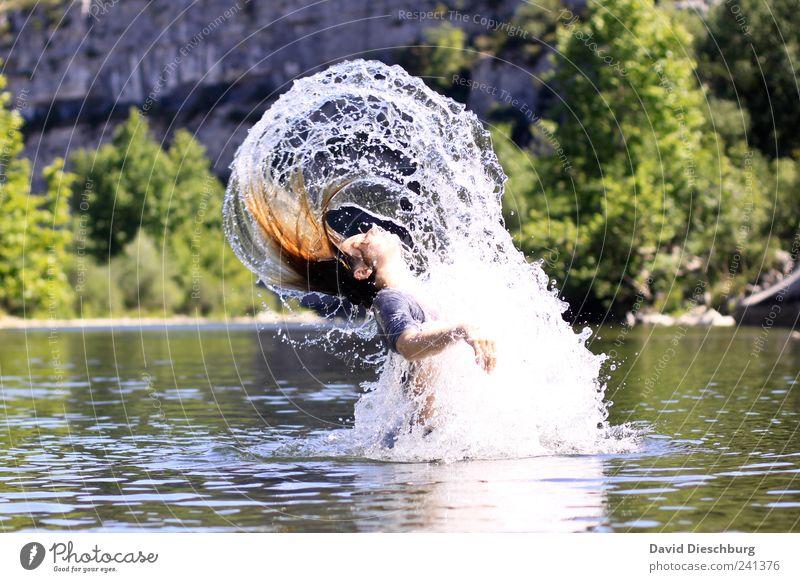 Nixe Mensch Natur Wasser Ferien & Urlaub & Reisen grün Sommer Erholung Landschaft feminin Leben springen Schwimmen & Baden nass Wassertropfen einzeln Fluss