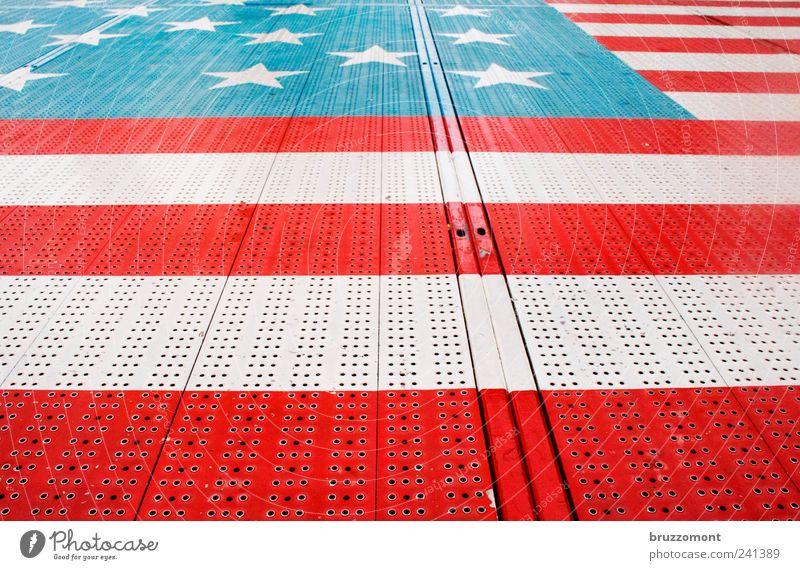 Amerika am Boden blau Ferien & Urlaub & Reisen weiß rot Stil Metall Jahrmarkt Stars and Stripes Karussell
