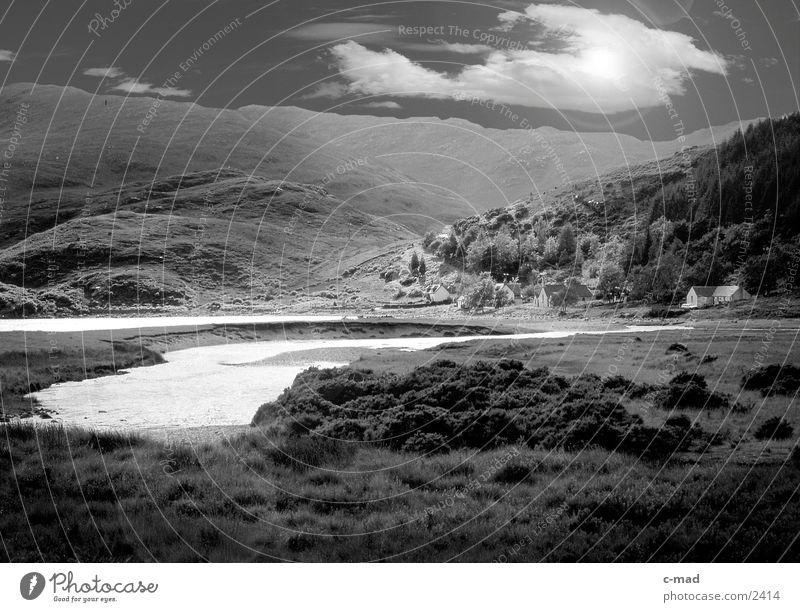 Hochmoor in Schottland Himmel Wolken Wiese Berge u. Gebirge See Moor