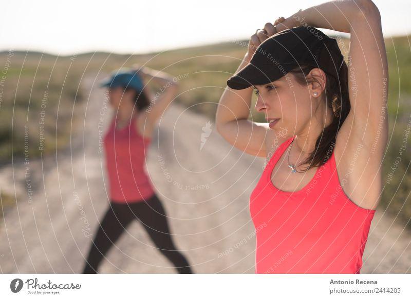 Frau Erwachsene Lifestyle Sport Paar Freundschaft Fitness Geschwindigkeit sportlich Beautyfotografie Sport-Training Sportler Läufer Frauenpower