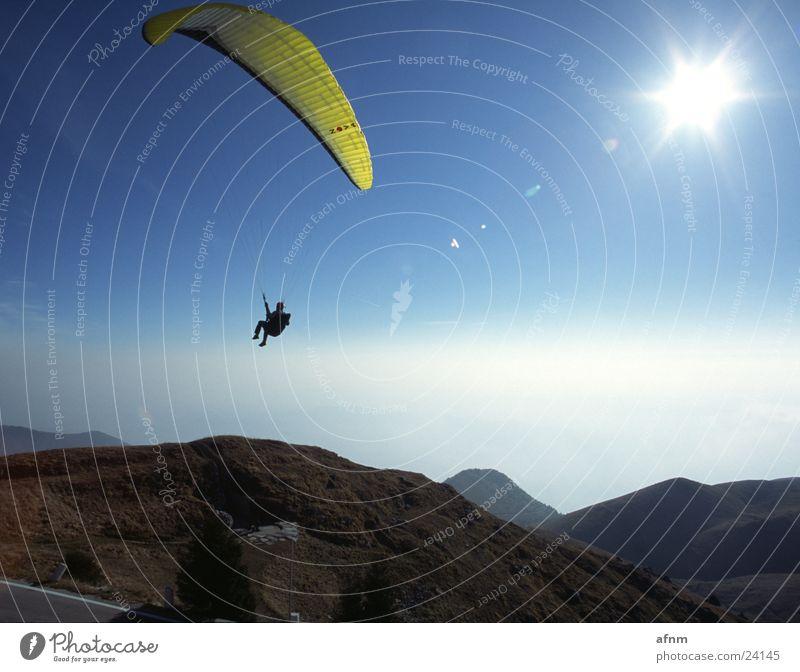 Nur fliegen ist schöner II Himmel Sonne Sport Berge u. Gebirge Flugsportarten