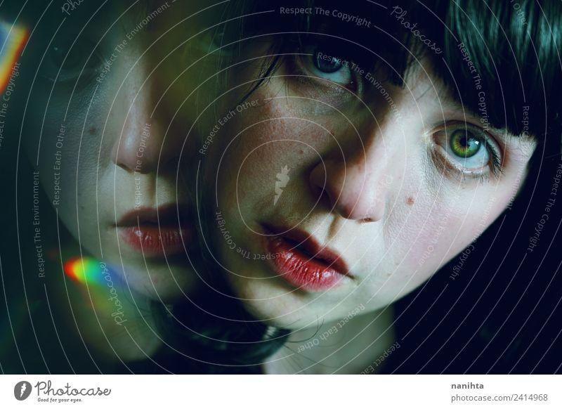Mensch Jugendliche Junge Frau schön dunkel 18-30 Jahre Erwachsene Traurigkeit feminin Kunst Haare & Frisuren Design ästhetisch Kultur Kreativität Zukunft