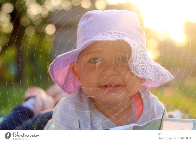 Kind Mensch Ferien & Urlaub & Reisen schön Erholung ruhig Freude Mädchen Erwachsene Lifestyle Leben Senior Gefühle Familie & Verwandtschaft Spielen