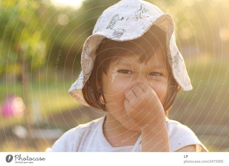 Das stinkt! Lifestyle Duft Kindererziehung Bildung Kindergarten Mensch Baby Mädchen Eltern Erwachsene Geschwister Großeltern Senior Familie & Verwandtschaft