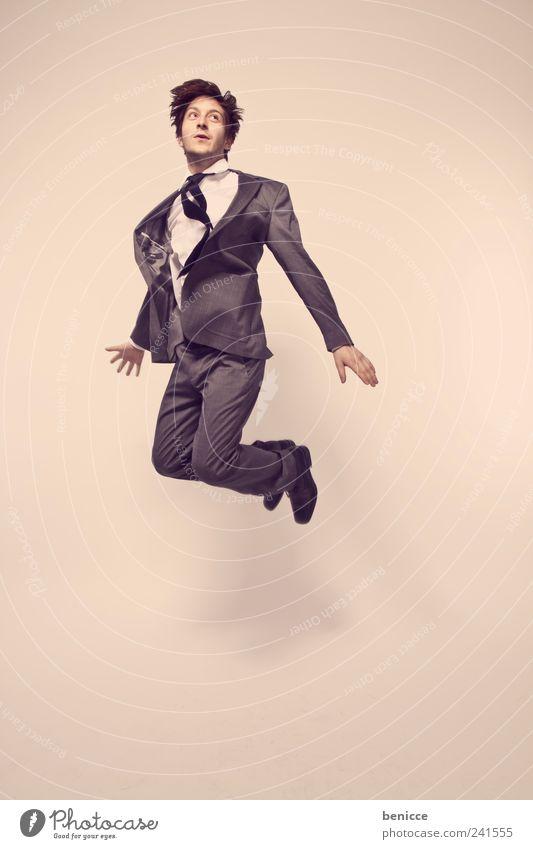 der Absturz Mann Mensch Geschäftsleute Business fallen springen Insolvenz Wirtschaft Freude fliegen fliegend Sturz Dynamik Bewegung Aktion Isoliert (Position)