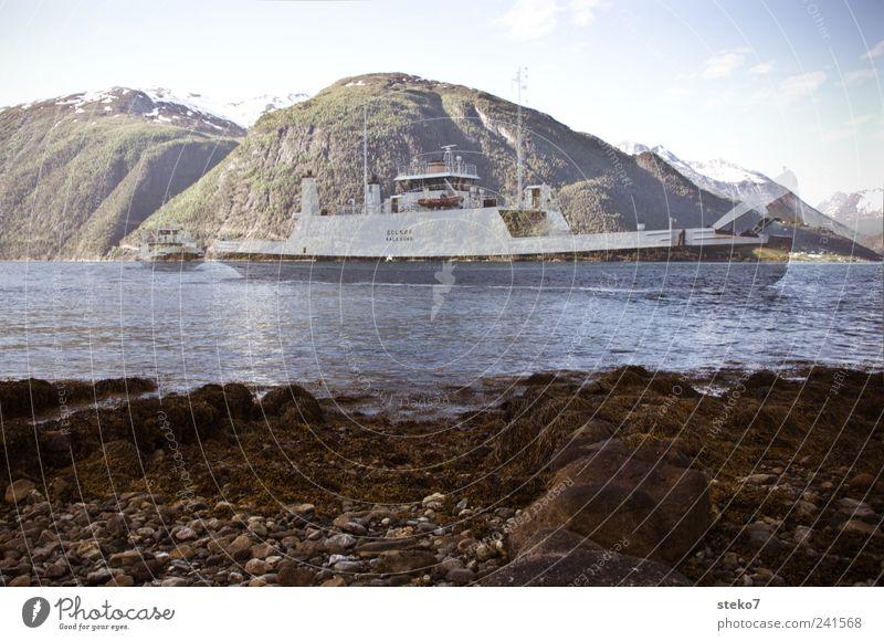 Geisterfähre blau Berge u. Gebirge Bewegung Küste Doppelbelichtung Fjord Fähre spukhaft regelmässig Kontinuität