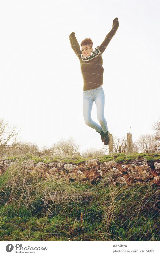Mensch Natur Ferien & Urlaub & Reisen Jugendliche Junge Frau Sommer schön Sonne Freude Ferne 18-30 Jahre Erwachsene Lifestyle Leben Gesundheit Umwelt