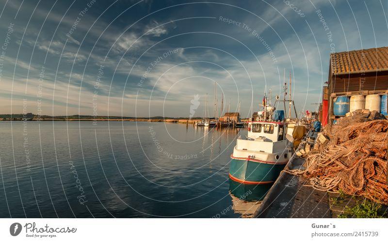 Fischerboote im Yachthafen, Bootshafen Gager Ruegen. Ostsee Ferien & Urlaub & Reisen Wasser Meer Wolken Ferne Tourismus Freiheit Ausflug Freizeit & Hobby Insel