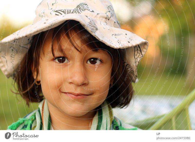 Kind Mensch schön Freude Mädchen Erwachsene Leben Gefühle Familie & Verwandtschaft Stimmung Zufriedenheit träumen Kindheit Lächeln Fröhlichkeit Erfolg