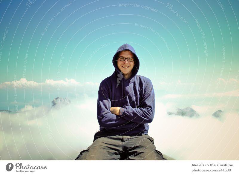 über den wolken Mensch Himmel Mann Jugendliche blau Ferien & Urlaub & Reisen Sommer Wolken Erwachsene Ferne Erholung Landschaft Freiheit Berge u. Gebirge