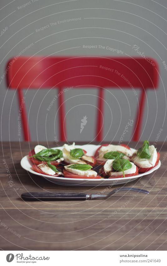 rot.grün grün rot Gesundheit Lebensmittel frisch Häusliches Leben Ernährung Tisch Stuhl Küche Foodfotografie Kräuter & Gewürze Gemüse Möbel lecker Geschirr