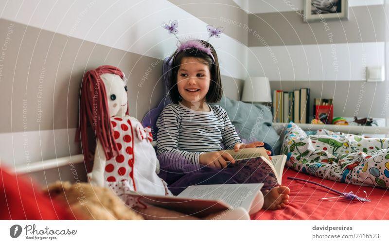 Frau Kind Mensch schön Erwachsene Lifestyle lustig Glück klein Spielen Lampe Freundschaft Kindheit sitzen Lächeln authentisch