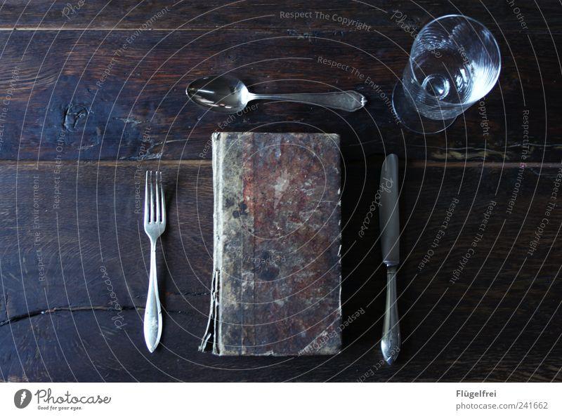 Bücher verschlingen – Hauptgang Freizeit & Hobby Buch elegant verfallen Speise Appetit & Hunger Messer edel antik Vorfreude Besteck Gabel Löffel Literatur