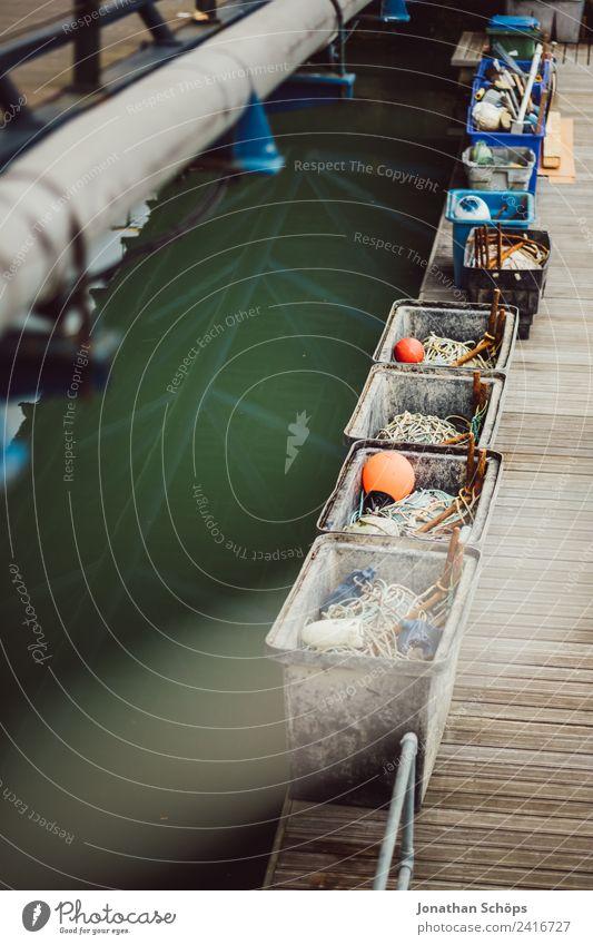 Details am Hafen Stadt Meer Seil Güterverkehr & Logistik Schifffahrt Steg Anlegestelle Kiste Lager England Hafenstadt trüb Behälter u. Gefäße Bootsfahrt Boje