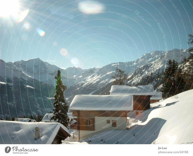 under plain cover Winter Ferien & Urlaub & Reisen weiß Haus Skihütte Europa Schnee Sonne Himmel Hütte