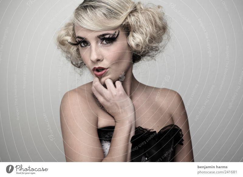 Wollust #4 Mensch feminin Junge Frau Jugendliche 1 18-30 Jahre Erwachsene Korsage Wimpern falsche wimpern Romantik Erotik schön Begierde Lust Todsünde Farbfoto