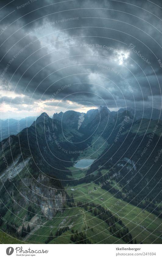 Zwischen Himmel und Erde Natur Sommer Wolken Herbst Berge u. Gebirge See wandern Horizont Klima Alpen Gipfel Gewitter Fußweg Unwetter