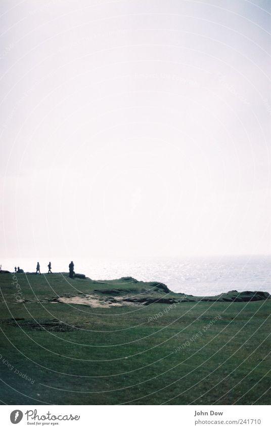 Reminisce the Englishness Mensch Meer Strand Ferne Gras Freiheit Küste Luft Felsen Freizeit & Hobby Insel Ausflug Spaziergang Pause Hügel Unendlichkeit