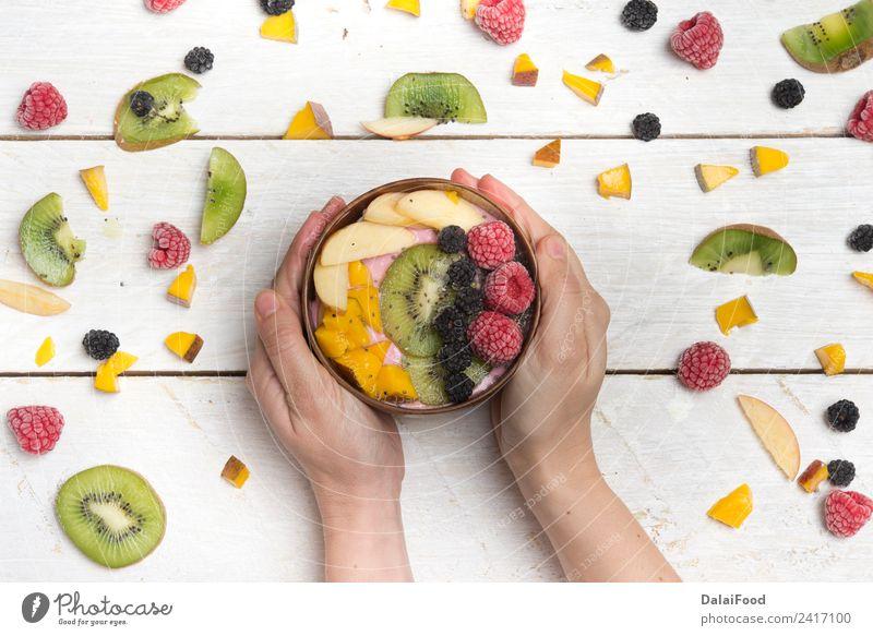 Frühstücksschale Frucht Apfel Dessert Mittagessen Abendessen Vegetarische Ernährung Schalen & Schüsseln Sommer Hand frisch trendy Hintergrund Beeren Brunch