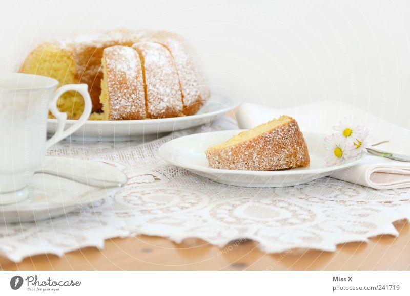 Sonntagskuchen vorab weiß Ernährung Lebensmittel Tisch Kaffee süß Geschirr Kuchen lecker Appetit & Hunger Frühstück Tasse Teller Backwaren saftig