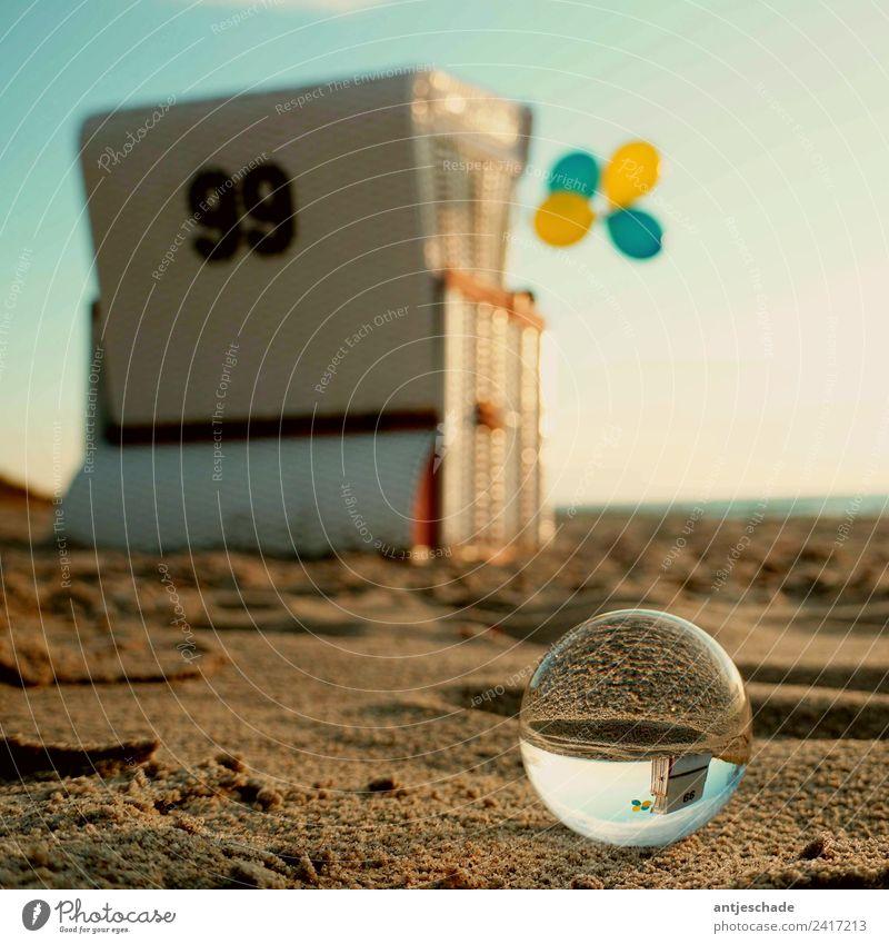 Strandkorb 99 Luftballons 🎈 🎶🎈 Ferien & Urlaub & Reisen Sommer Sommerurlaub Meer Sand Himmel Ostsee Erholung Farbfoto Außenaufnahme