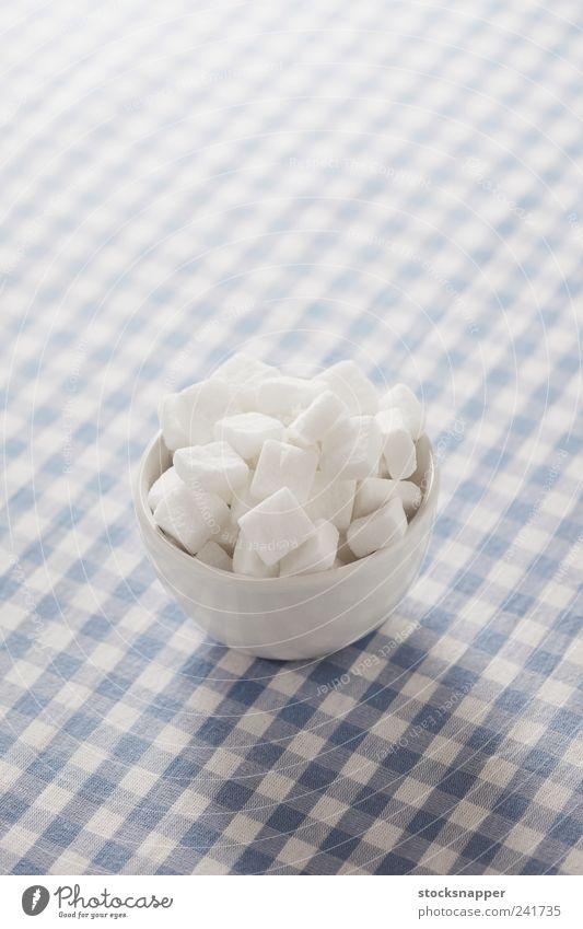 Zucker Würfel Würfelzucker Zutaten Lebensmittel Menschenleer kariert Tischwäsche weiß Schalen & Schüsseln süß Foodfotografie Textfreiraum oben Objektfotografie