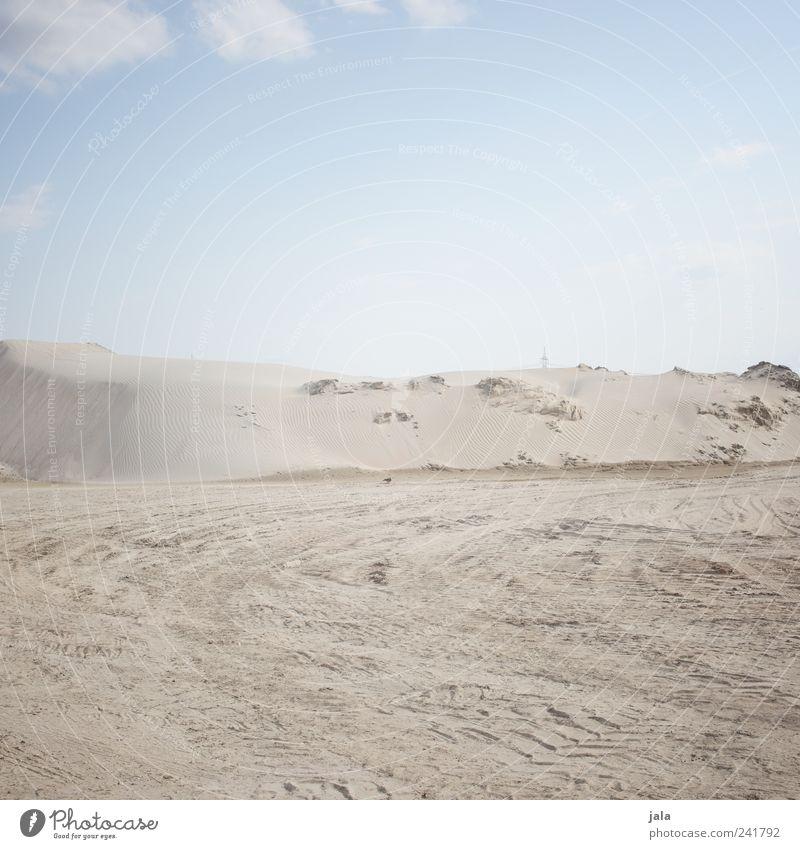 sand Himmel Sand hell trist Unendlichkeit Hügel trocken Reifenspuren Wolkenloser Himmel