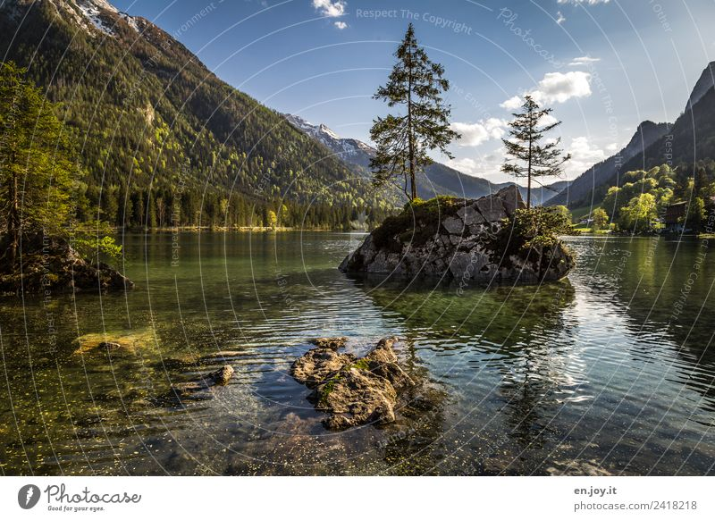 Inselwelt Himmel Natur Ferien & Urlaub & Reisen Sommer Pflanze grün Landschaft Baum Erholung Berge u. Gebirge Leben Religion & Glaube Umwelt See Felsen Ausflug