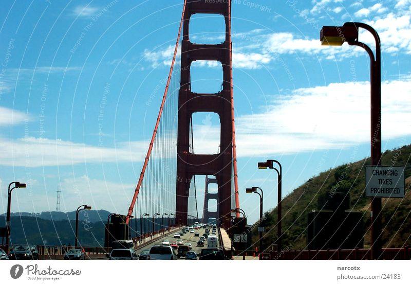 golden gate bridge [2] groß Brücke USA Stahl Amerika Wahrzeichen Bildausschnitt Anschnitt Bekanntheit Kalifornien Pylon San Francisco Hängebrücke Golden Gate Bridge Südwest Berühmte Bauten