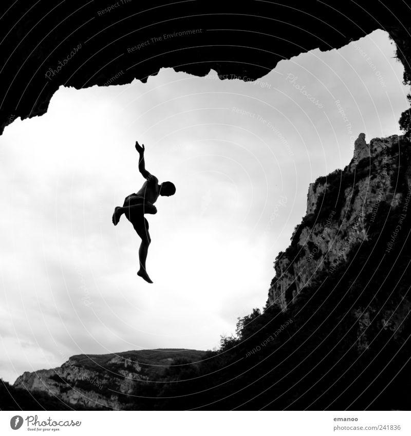 deep water soloing 2 Mensch Mann Natur Jugendliche Ferien & Urlaub & Reisen Freude Wolken Erwachsene Landschaft Berge u. Gebirge Freiheit Küste springen Stil Luft Felsen