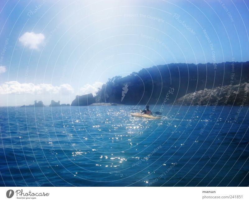 Expedition Freizeit & Hobby Ferien & Urlaub & Reisen Abenteuer Sommerurlaub Wassersport Kajak 1 Mensch Natur Himmel Felsen Wellen Küste Riff Meer Klippe