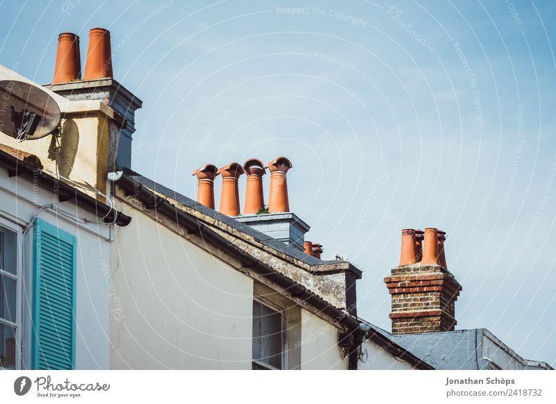 britische Schornsteine Stadt rot Haus Architektur ästhetisch Europa Armut Dach Altstadt Stadtzentrum Blauer Himmel England Umweltverschmutzung Englisch