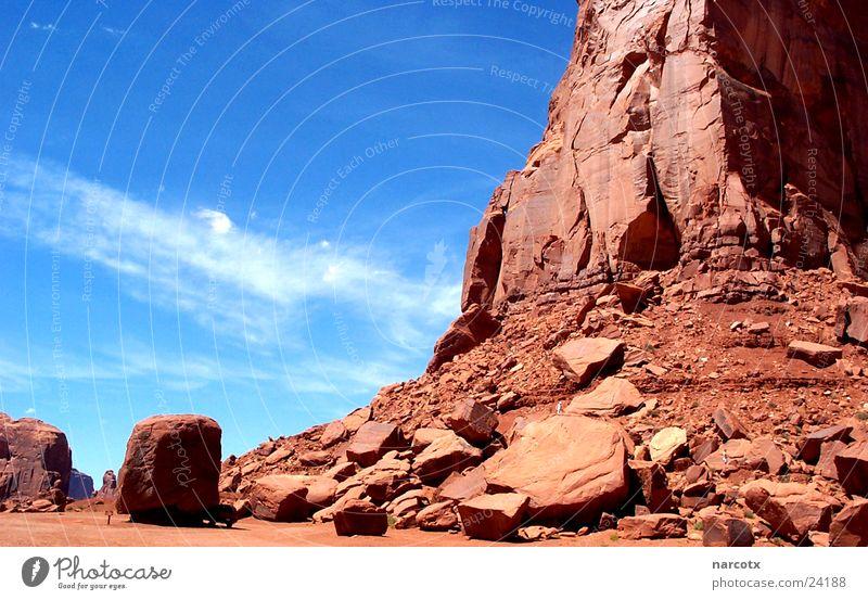 monument valley [3] Amerika Park Nationalpark Western groß Macht beeindruckend Südwest Monument Valley marlabro Blauer Himmel Felsen USA