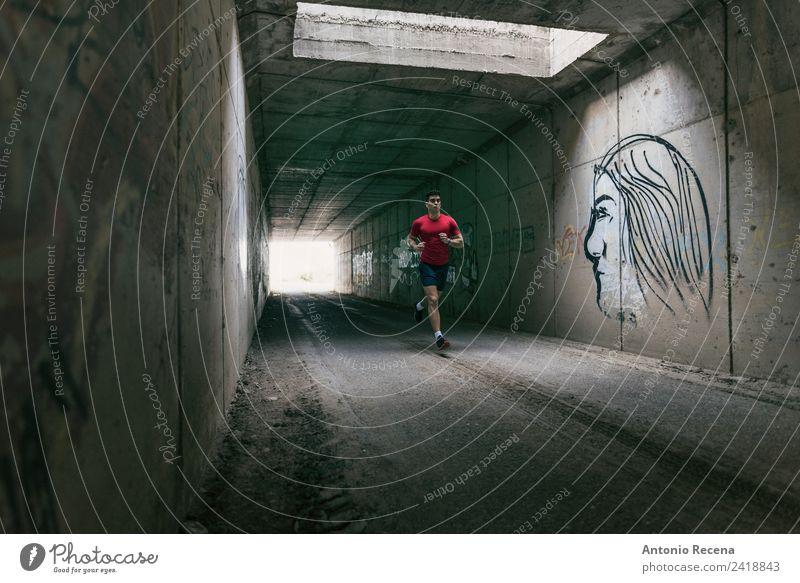 Läufer Mann Training im Tunnel Sport Fitness Sport-Training Sportler Joggen Mensch maskulin Erwachsene 1 18-30 Jahre Jugendliche Tatkraft rennen