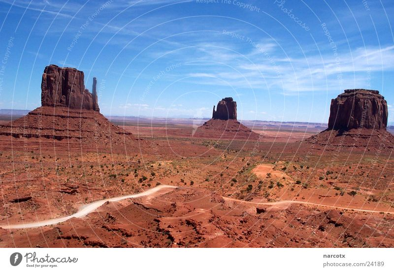 monument valley [2] Amerika Park Nationalpark Western groß Macht beeindruckend Südwest Monument Valley marlabro Blauer Himmel Felsen USA