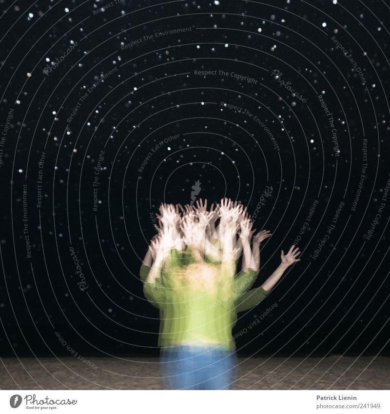 The stars within us schön Mensch Frau Erwachsene Hand 1 Regen oben blau grün schwarz ästhetisch einzigartig geheimnisvoll innovativ Inspiration komplex