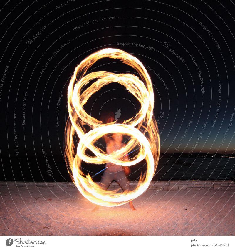 fire staff Freude Freizeit & Hobby feuerstab Jongleur Artist Mensch maskulin Mann Erwachsene 1 Landschaft Nachthimmel Sand ästhetisch Feuer kunststück Show
