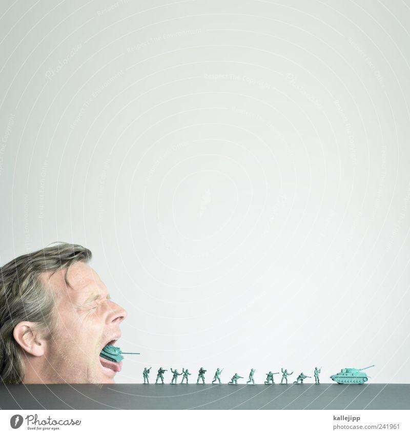waffenlieferung Mensch Kopf Haare & Frisuren Gesicht Menschengruppe kämpfen Panzer Soldat Angriff Waffe invasion Kanonen spucken Spielzeug Armee Gewalt Hass