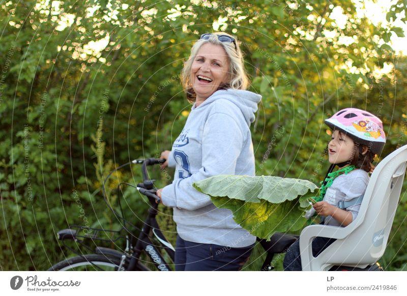 Frau Kind Mensch Ferien & Urlaub & Reisen Freude Mädchen Erwachsene Lifestyle Leben Gesundheit Senior Gefühle Sport feminin Familie & Verwandtschaft lachen